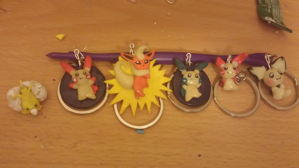 Lot of Glow in the Dark Pokemon Keychains by Orochi619