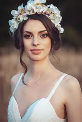 Bridal portrait by MarinaVroda