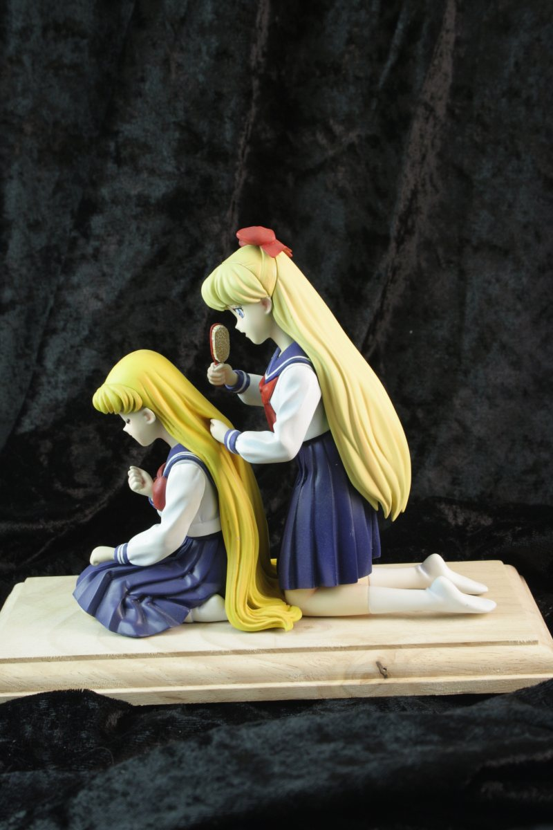 1/8 Usagi and Minako brushing set by Schuldigkun