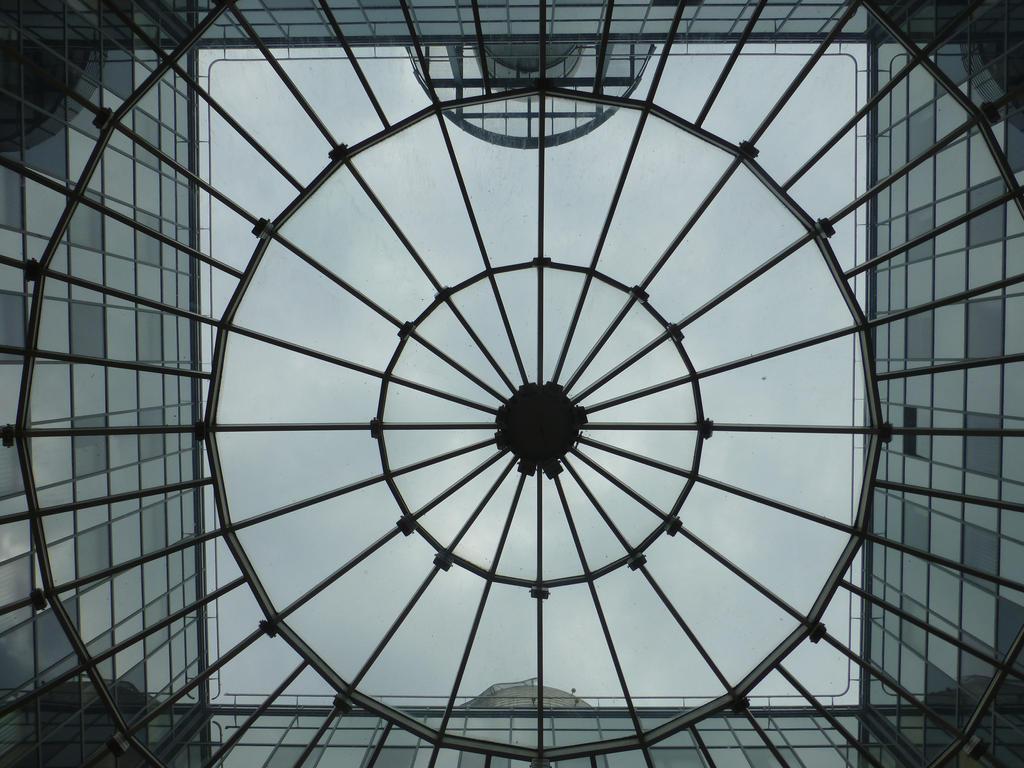 Glass Web by vogeljz