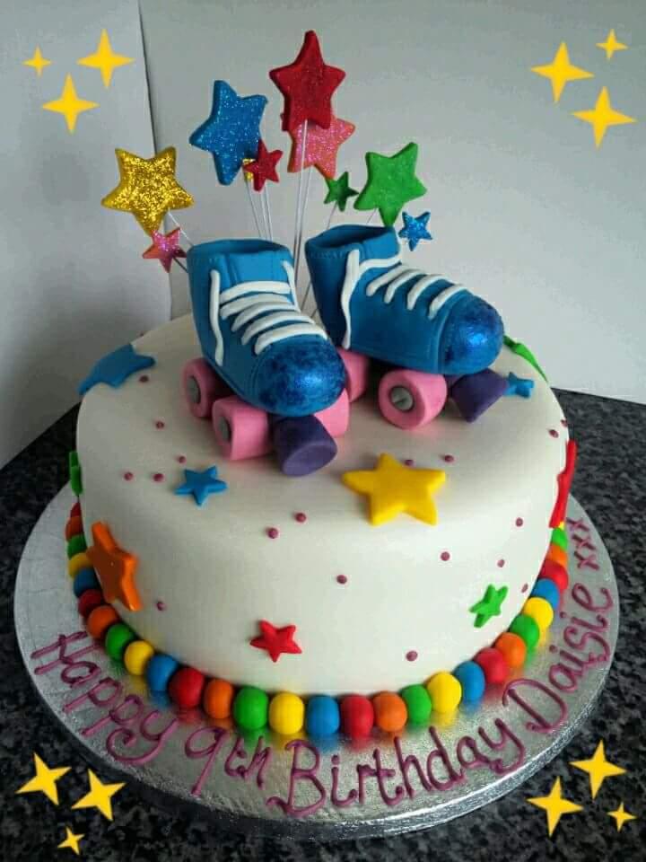 Rollerskating cake by clvmoore