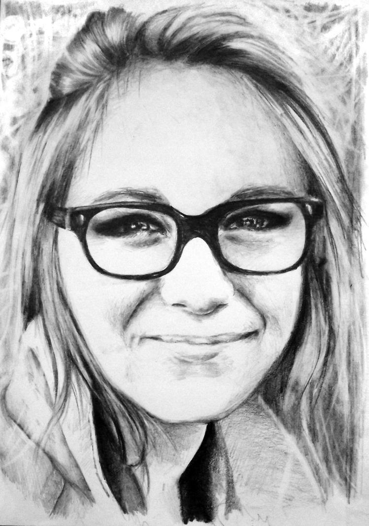 портрет девочки карандашом:
