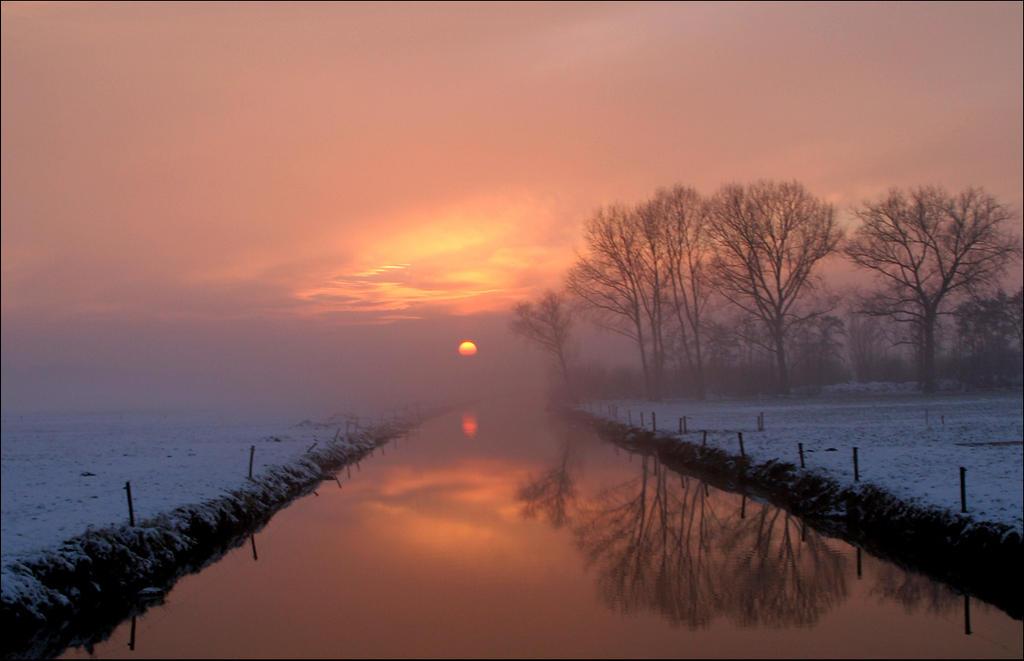 Zonsondergang in de polder by Betuwefotograaf