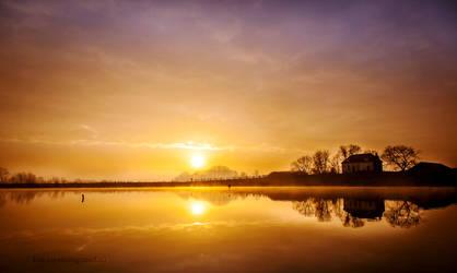 Morning Mist in Holland by Betuwefotograaf