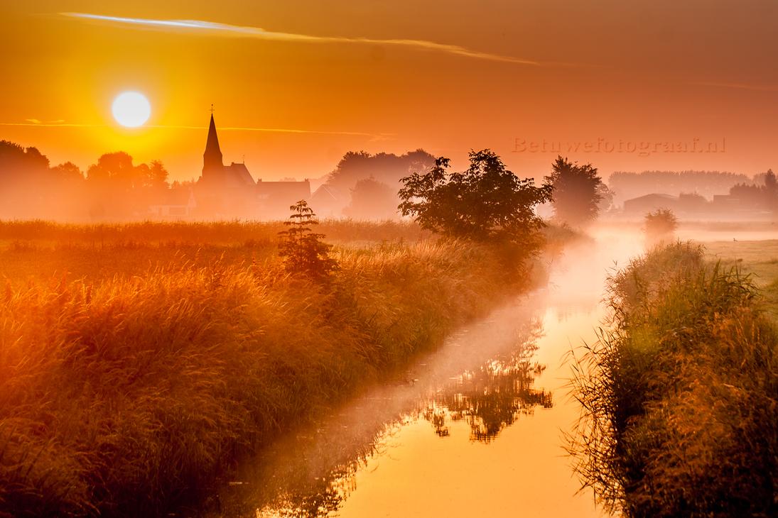Gellicum a village in The Betuwe ( Netherlands ) by Betuwefotograaf