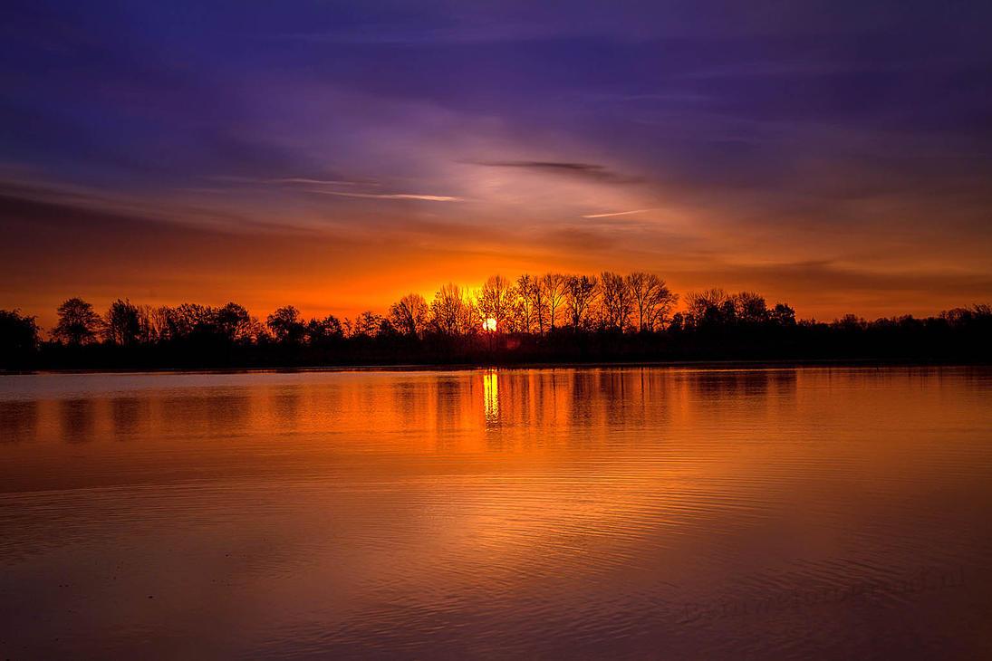 Colorfull sunrise........ by Betuwefotograaf