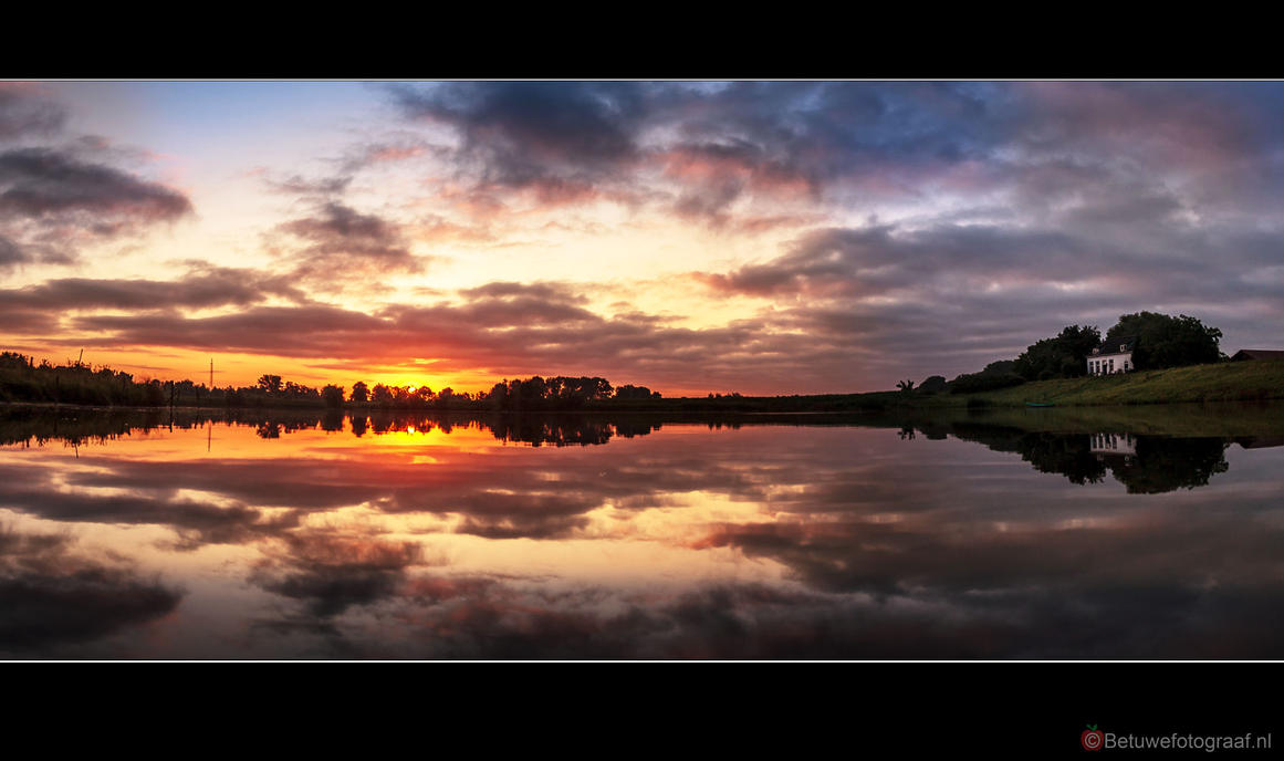 House of the rising sun by Betuwefotograaf
