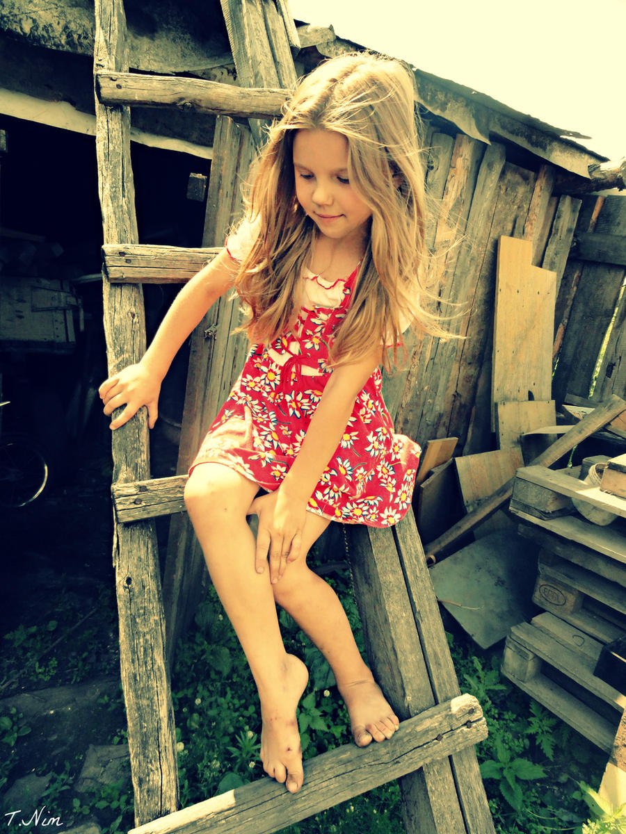 http://img11.deviantart.net/f603/i/2012/195/9/8/kate_by_tamilanim-d5776eo.jpg