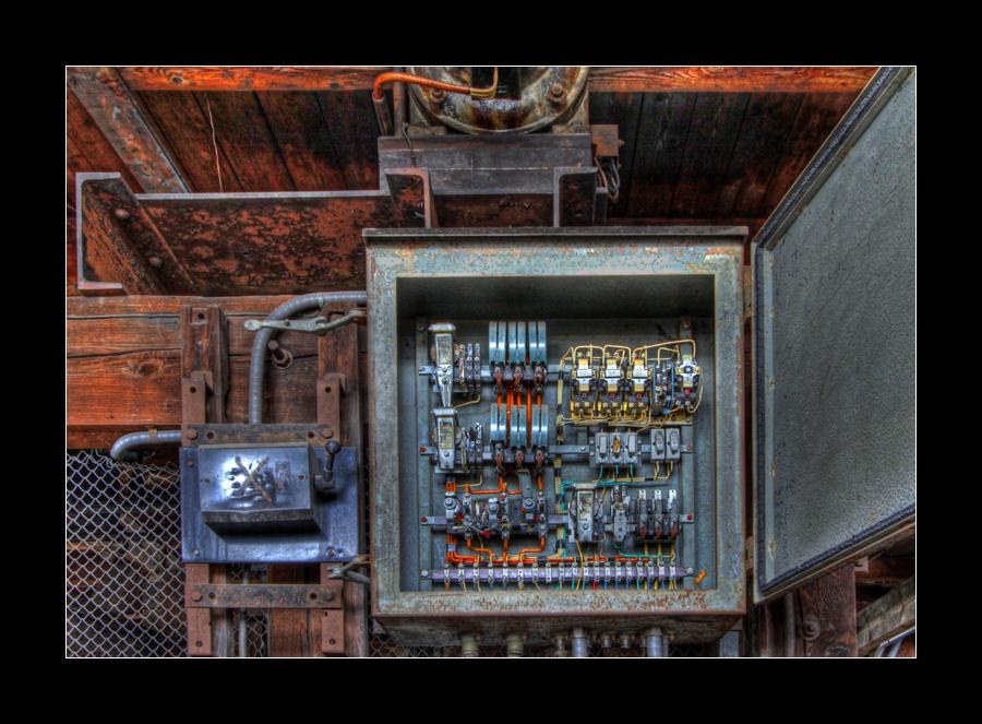 Elevator Wiring by 2510620