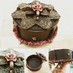 Chocolate bonboniere