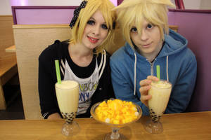 Rin and Len~ A Day out~ by TheKeiMan