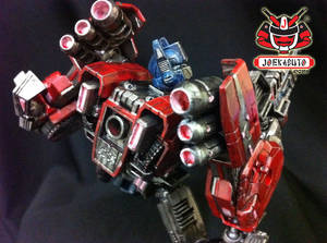 Transformers FOC : Optimus Prime Repaint 08