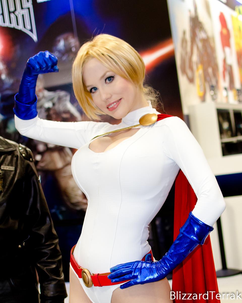 SDCC13 - Power Girl by BlizzardTerrak