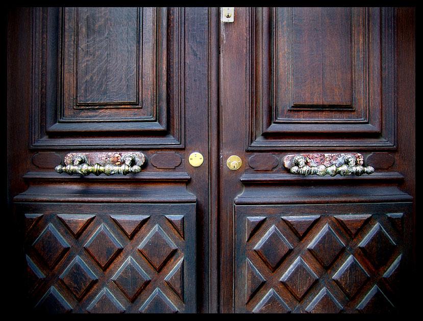 Double Door by zasu