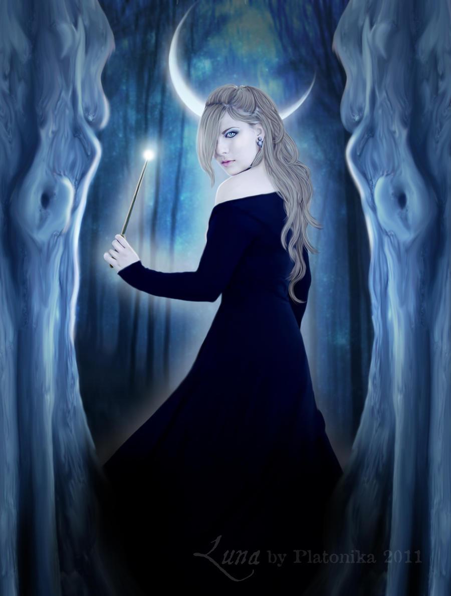 Luna by platonika