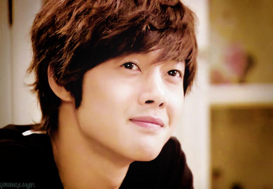 Kim Hyun Joong by iJonasStylesGirl