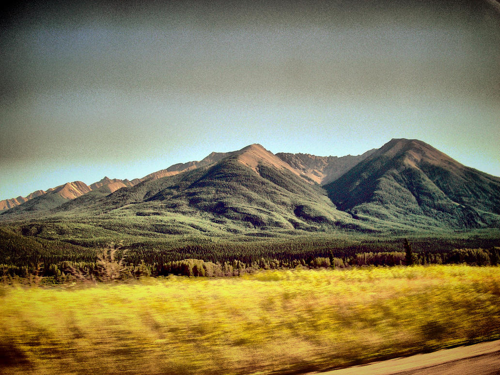 Canadian Mountains by elfullero
