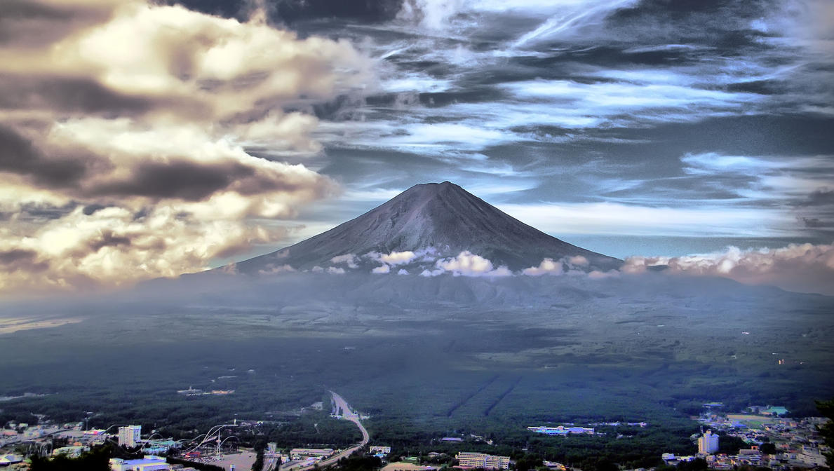 Mount Fuji by elfullero