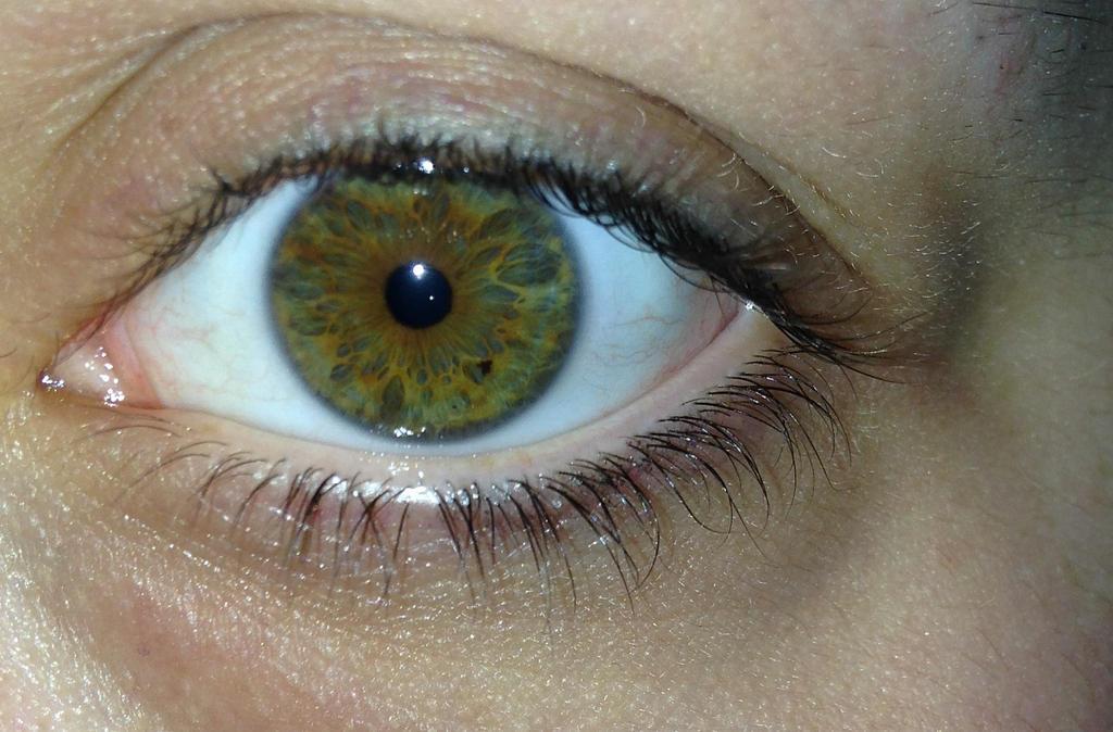 I love my eyes. by c0urtneylove