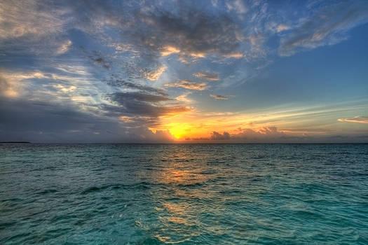 sunset - makunudu island