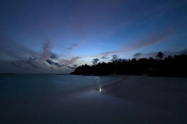 makunudu island - blue hour