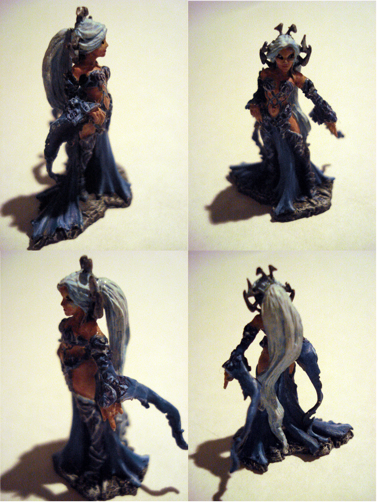 Sharess, Dark Elf Queen by MoCaW