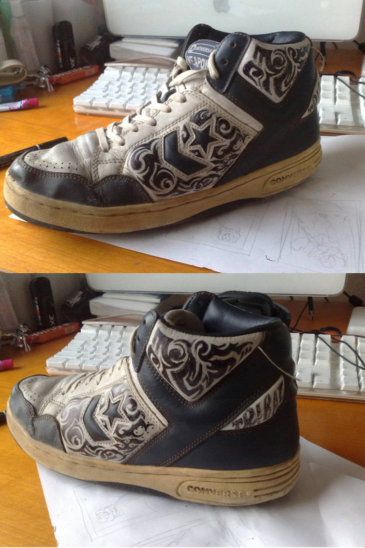 Tribal painted CONVERSE