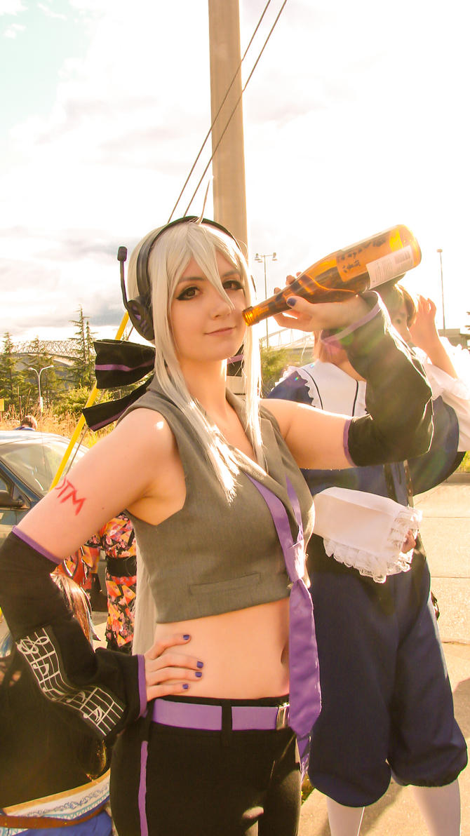 Haku cosplay vocaloid