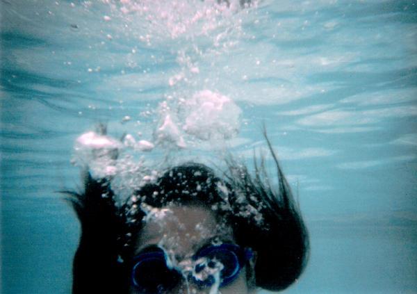 Drowning - © Deviantart / Feitan