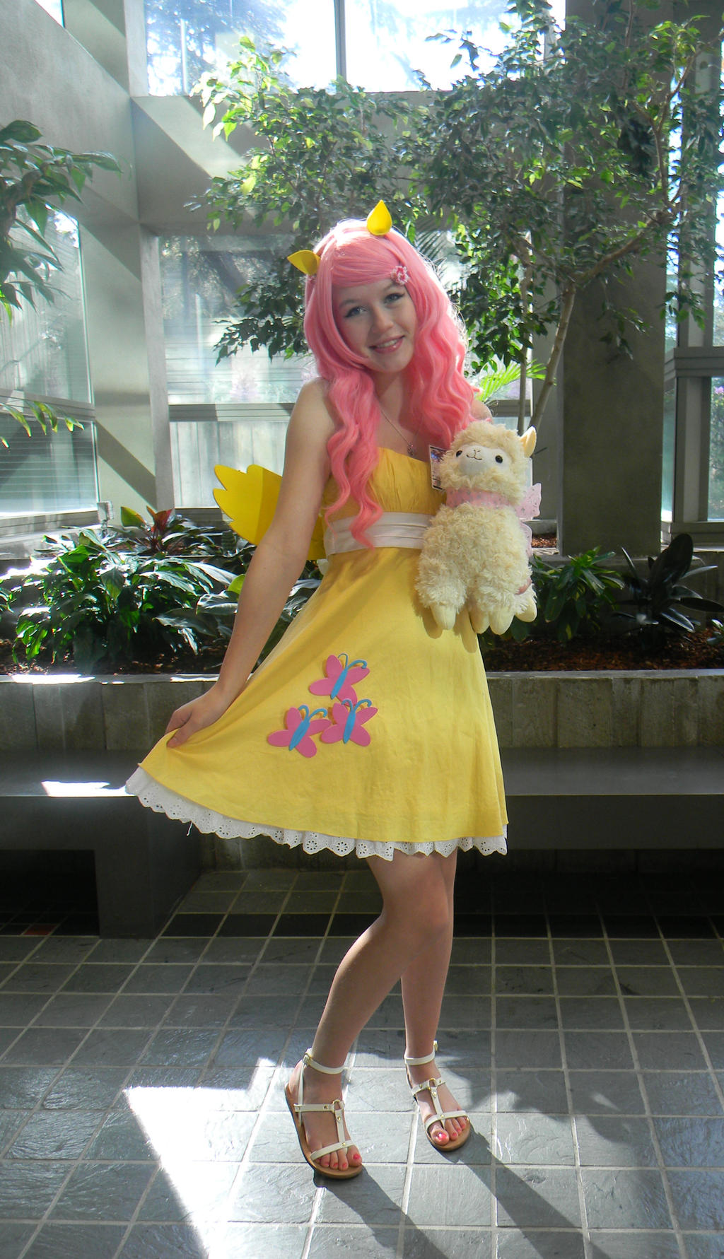 Les cosplay ! - Page 3 Fluttershy_cosplay_by_sonire-d601emr