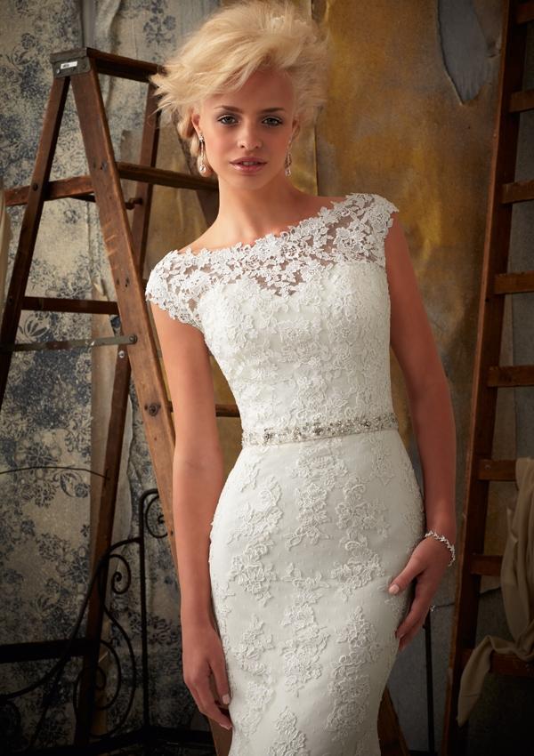 Белые платья короткие из кружева