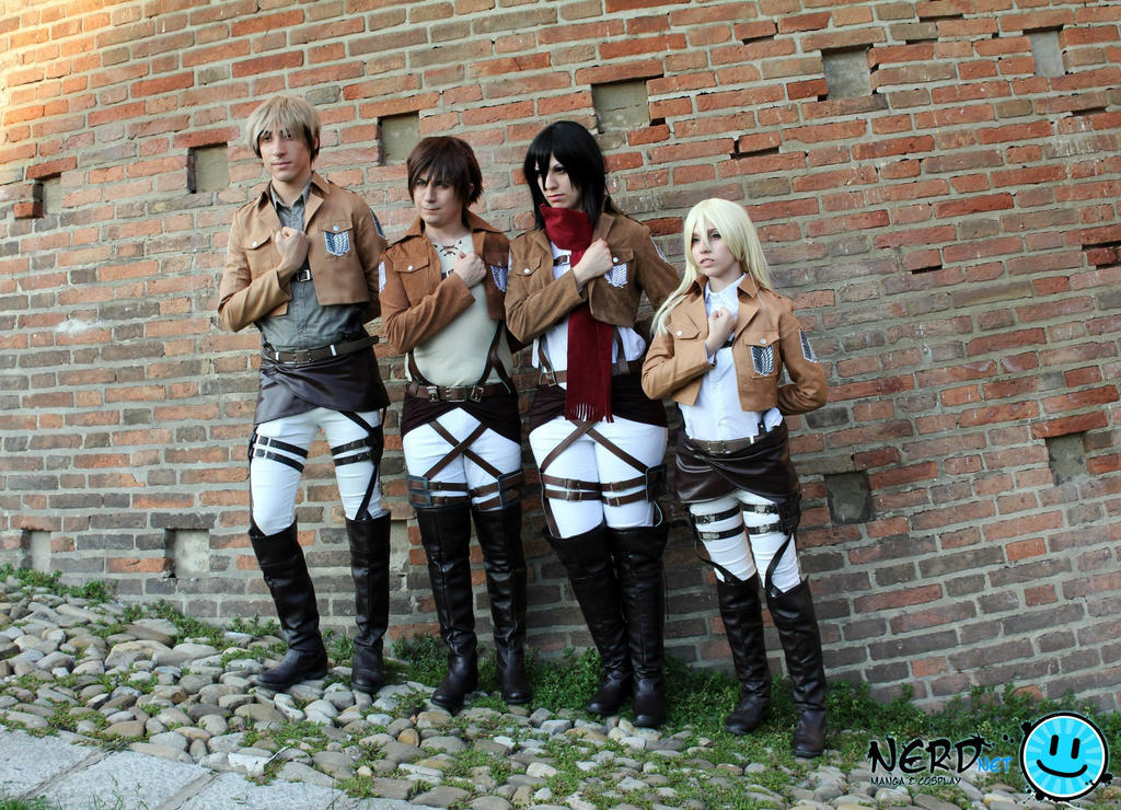 Attack on Titan random team! by TemyNyan