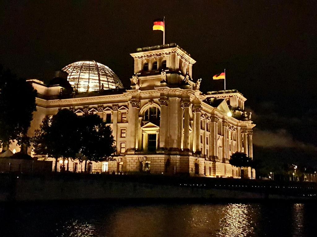 Berlin12 by SchattenKeule