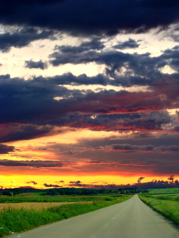 Road to home by niwaj
