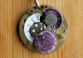 Amethyst-powered Time Traveller Medallion