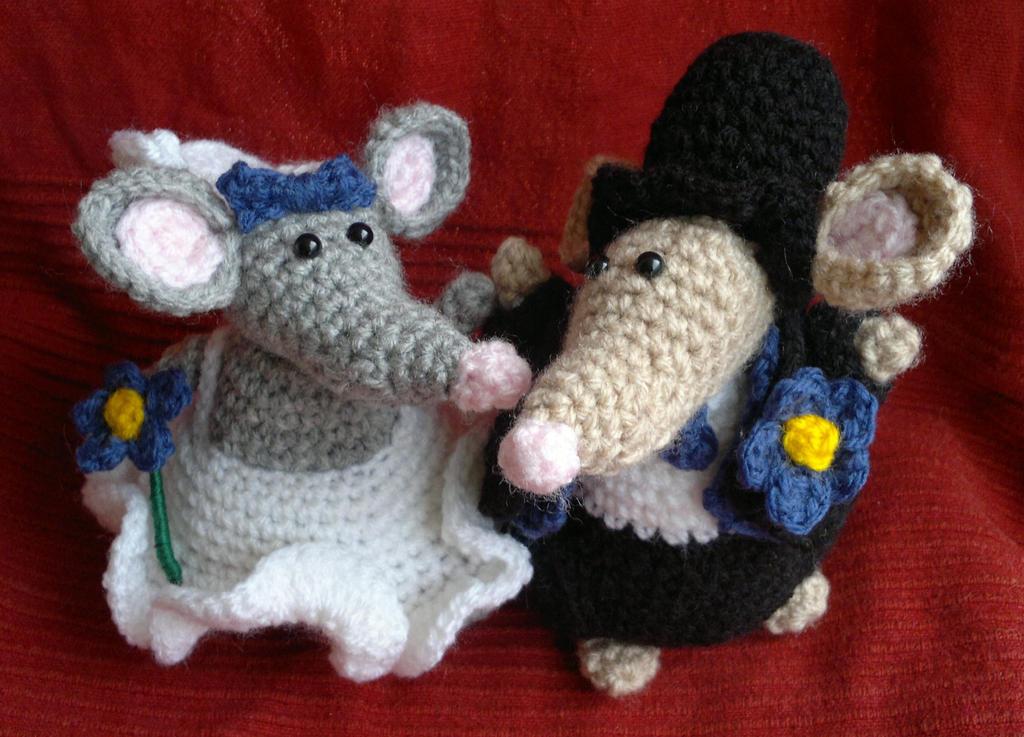 Crochet Wedding Amigurumi Patterns : Wedding Mice Crochet Amigurumi by RuthNorbury on DeviantArt