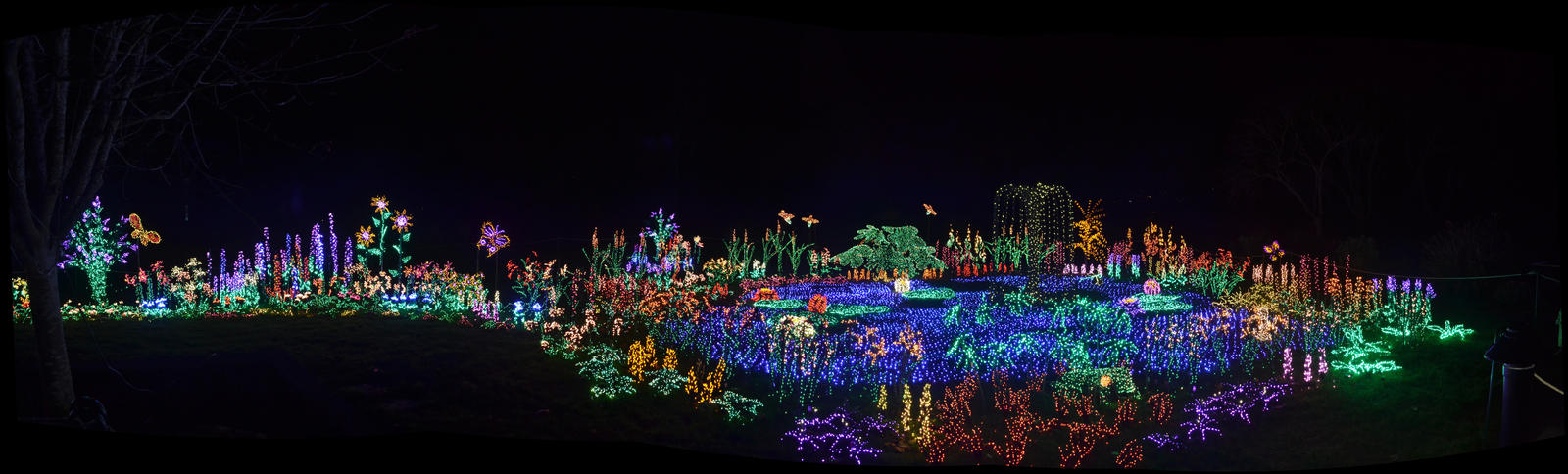 Garden d'Lights Pano by TheBelfig
