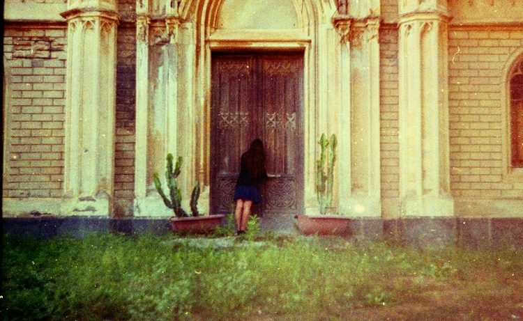 Let me in by invisigoth88