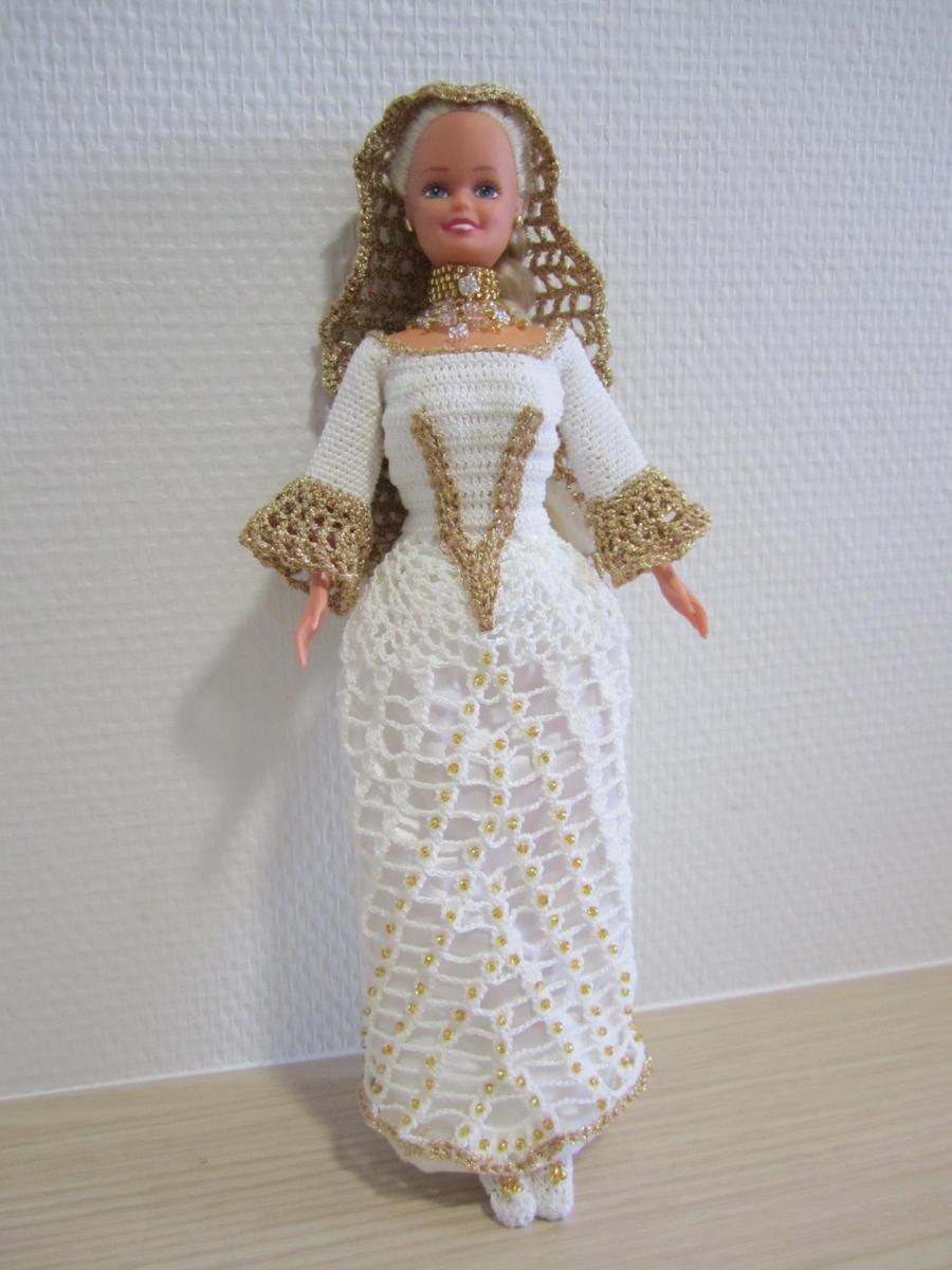 Eleanor of Aquitaine by Diddune