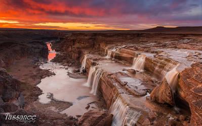Grand Falls by tassanee