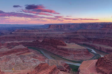 Dead Horse Point by tassanee