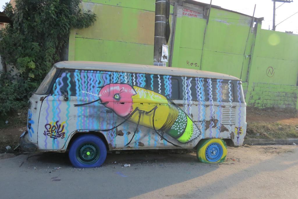 Carro by feik-graffiti