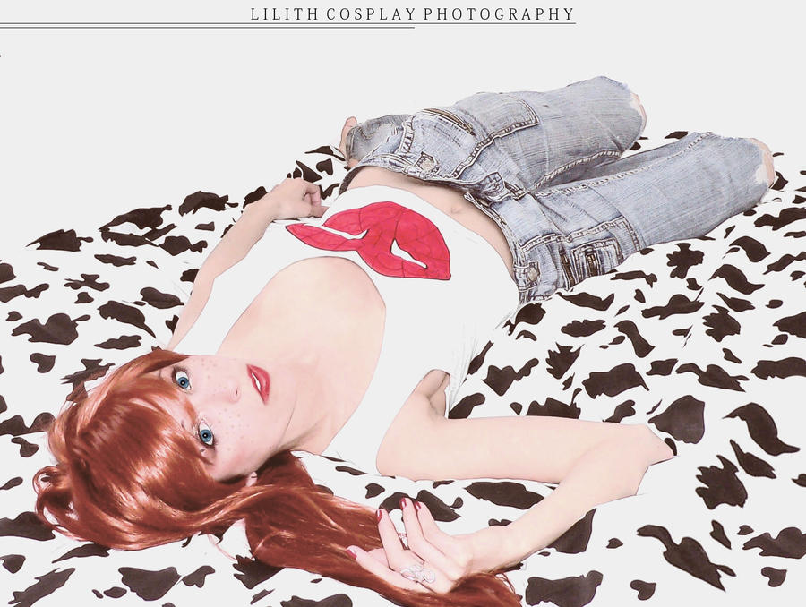 Laying down by Lili-cosplay