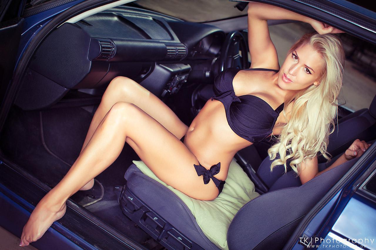 Сексуальные девушки в авто 8 фотография