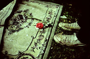 dirty shoes and broken glass by Alexeiz