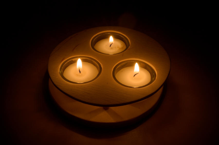 Plamen  svece - Page 3 Candles_by_ruehrer-d4hgx04