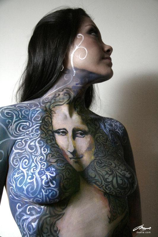 http://fc04.deviantart.com/fs31/f/2008/219/e/2/mona_lisa_body_painting_by_faithfulartist.jpg