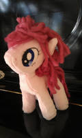 Painted Eye Pinkie Pie