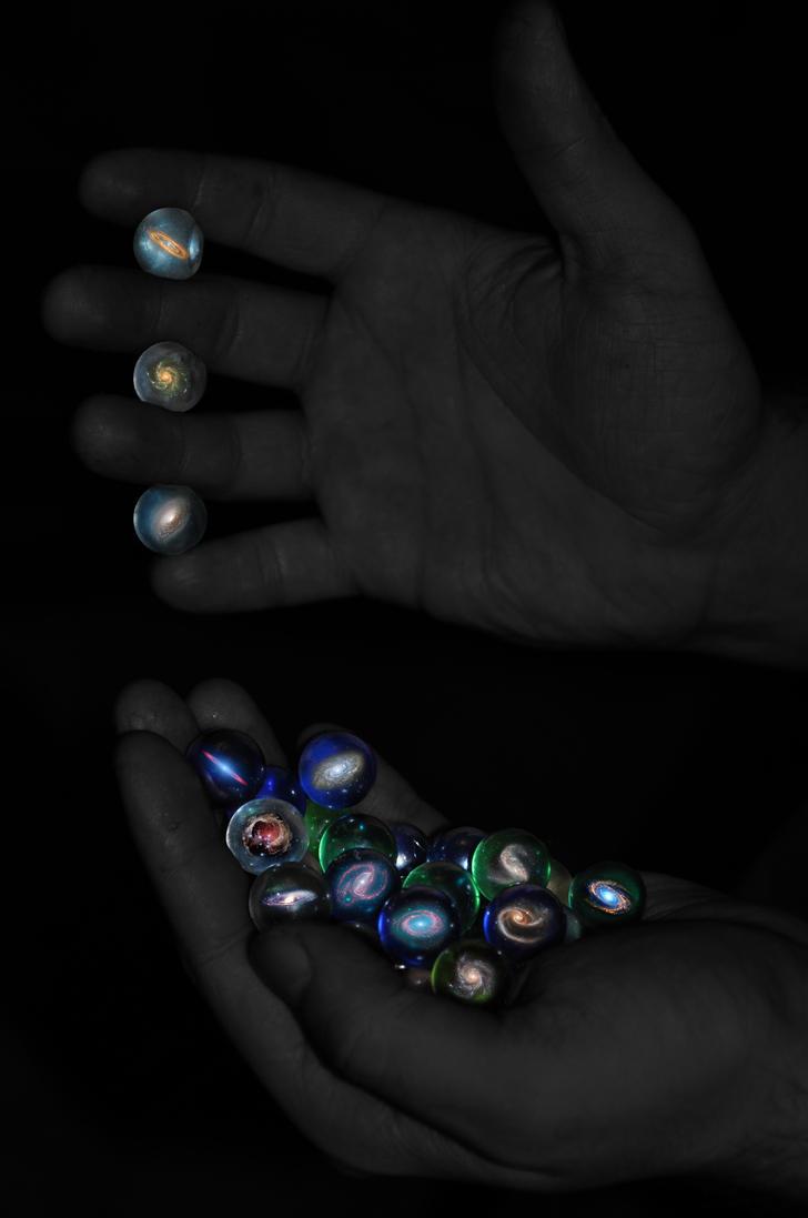 Galaktyki w moich dloniach by fire-breaker