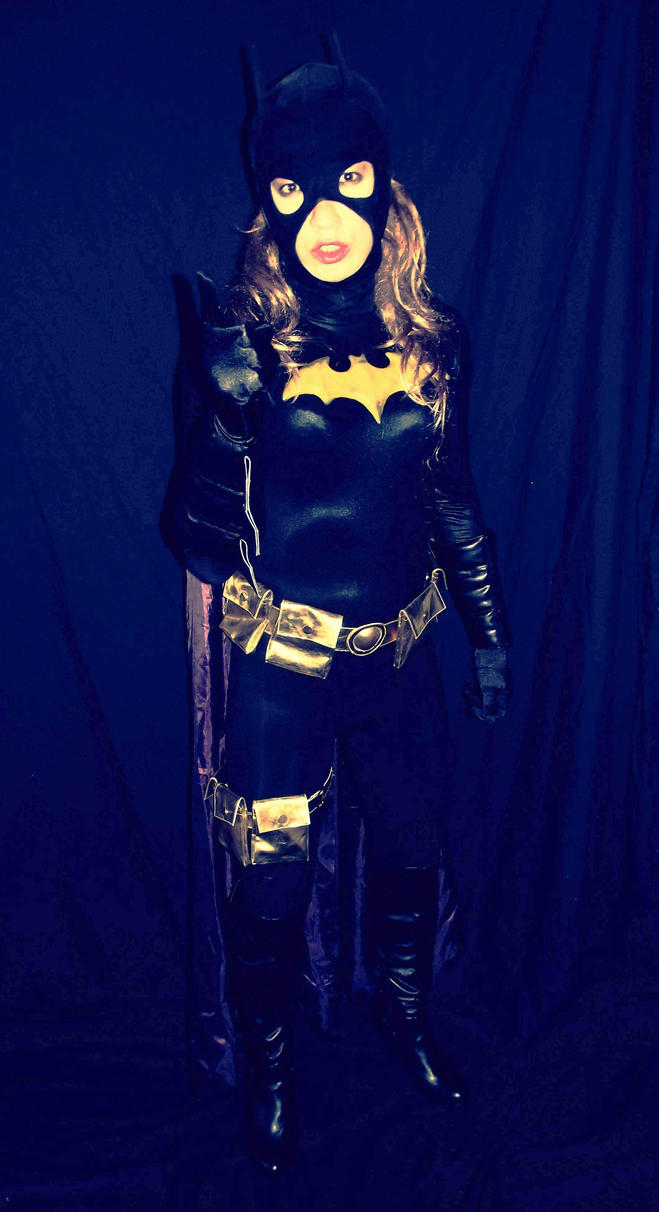 Batgirl Cosplay - Back off by ozbattlechick